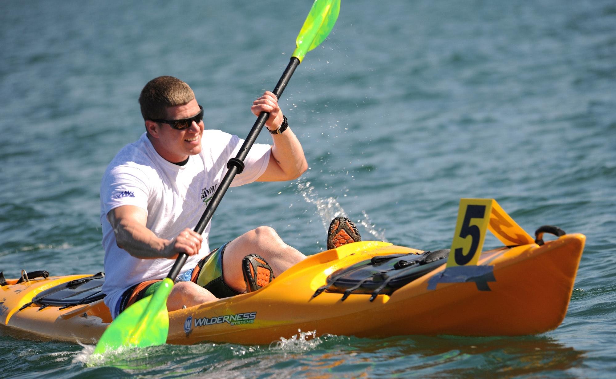 boat-hands-kayak-40859